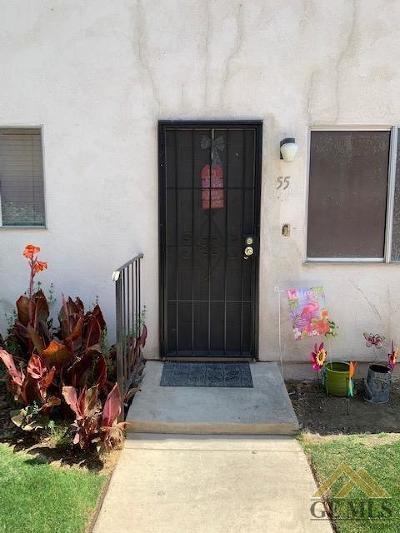 Bakersfield Condo/Townhouse For Sale: 3333 El Encanto Court #55
