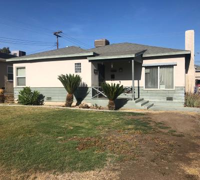 Bakersfield CA Single Family Home For Sale: $260,000