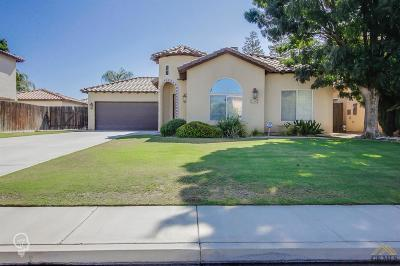 Bakersfield CA Single Family Home For Sale: $289,000