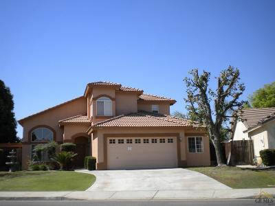 Bakersfield CA Single Family Home For Sale: $315,500