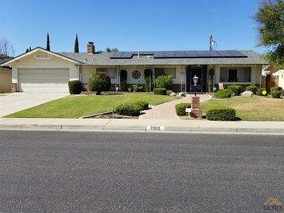 Bakersfield Single Family Home For Sale: 2600 Silver Drive