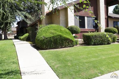 Bakersfield Condo/Townhouse For Sale: 6000 Auburn Street #B
