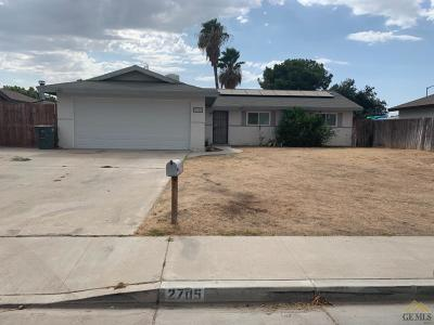 Bakersfield Single Family Home For Sale: 2705 Bladen Street