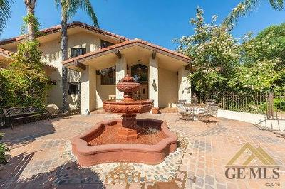 Bakersfield Single Family Home For Sale: 5815 Round Up Way