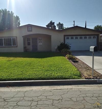 Bakersfield Single Family Home For Sale: 9105 Viola Street