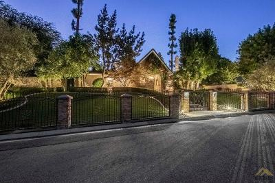 Bakersfield Single Family Home For Sale: 3520 Claremont Drive
