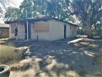 Bakersfield Single Family Home For Sale: 28 Clyde Street
