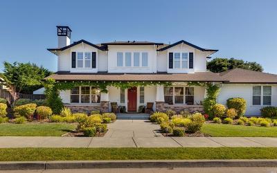 Petaluma Single Family Home For Sale: 1014 Samuel Drive