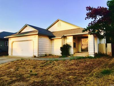 Santa Rosa Single Family Home For Sale: 2708 Bond Street