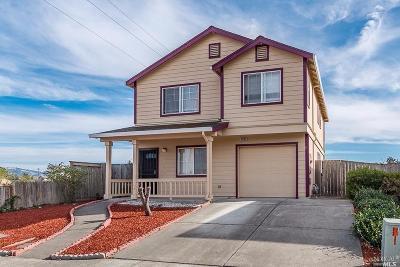 Santa Rosa Single Family Home For Sale: 2002 Burgess Drive