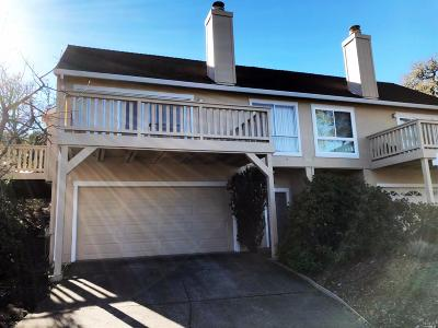 Santa Rosa Single Family Home For Sale: 471 Singing Woods Place