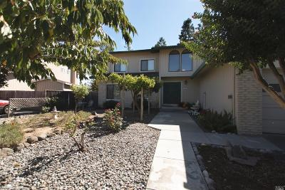 Rohnert Park Single Family Home Contingent-Show: 4441 Hollingsworth Circle
