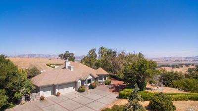 Petaluma Single Family Home For Sale: 7 Cloud Lane