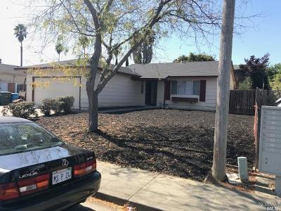 Vallejo Single Family Home For Sale: 166 Radcliffe Drive