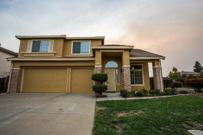 Vacaville Single Family Home For Sale: 930 Copper Way