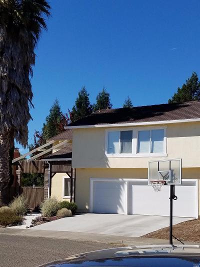 Petaluma Single Family Home For Sale: 2005 Sultana Drive