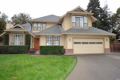 Healdsburg Single Family Home For Sale: 401 Fairway Court