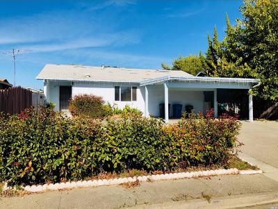 Vallejo Single Family Home For Sale: 120 Litchfield Court