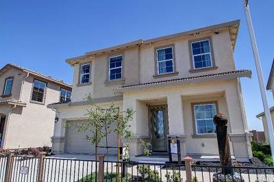 Vacaville Single Family Home For Sale: 413 Epic Street