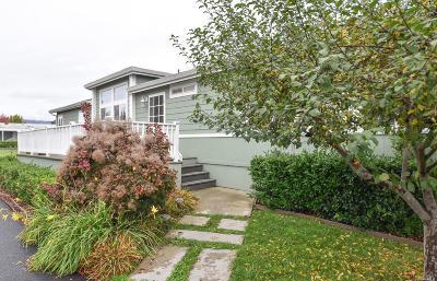 Petaluma Mobile Home For Sale: 12 Candlewood Drive #12