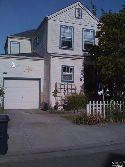 Santa Rosa Single Family Home For Sale: 1465 Tammy Way