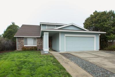 Vacaville Single Family Home For Sale: 130 Kingsland Court