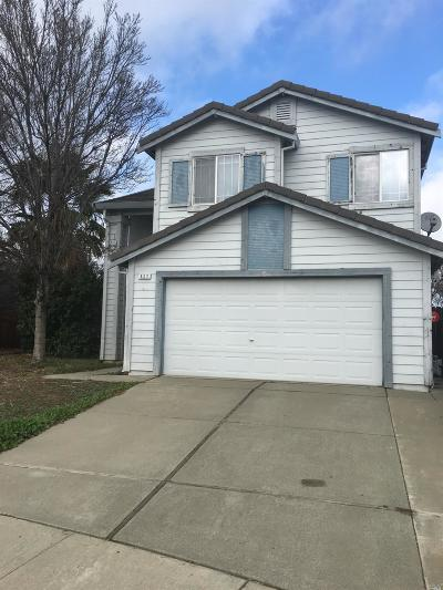 Vacaville Single Family Home For Sale: 527 Edenderry Drive