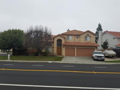 Vacaville Single Family Home For Sale: 1043 Beelard Drive