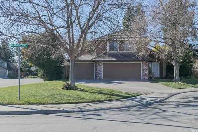 Dixon Single Family Home For Sale: 300 Grove Court
