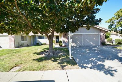 Vacaville Single Family Home For Sale: 206 Grand Canyon Drive