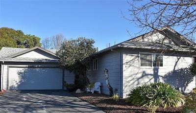 Santa Rosa Single Family Home For Sale: 3519 Dartmouth Drive