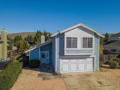 Vallejo Single Family Home For Sale: 32 Brighton Drive