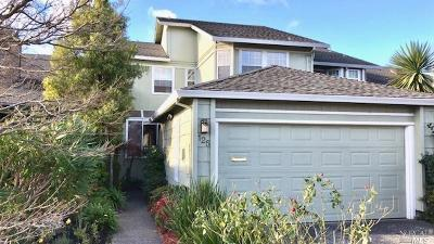 Marin County Condo/Townhouse For Sale: 125 Spinnaker Point Drive