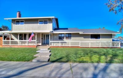 Dixon Single Family Home For Sale: 675 East Chestnut Street