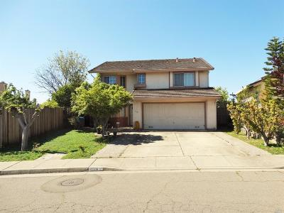 Vallejo Single Family Home For Sale: 113 Crystal Court