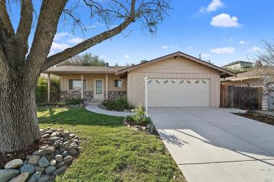 Vacaville Single Family Home For Sale: 372 Markham Avenue