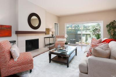 Tiburon Condo/Townhouse For Sale: 29 Greenwood Bay Drive