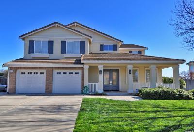 Single Family Home For Sale: 304 Chardonnay Way