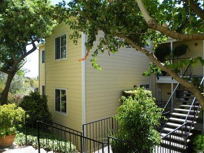 Benicia Condo/Townhouse For Sale: 735 Buchanan Street #118