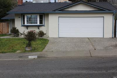Vallejo Single Family Home For Sale: 400 Swan View