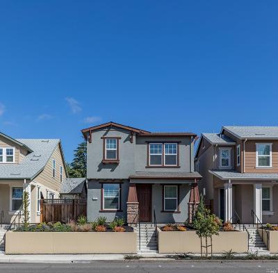 Healdsburg Single Family Home For Sale: 1114 Healdsburg Avenue