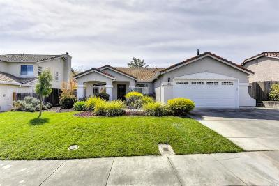 Vacaville Single Family Home For Sale: 502 Woodcrest Drive