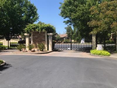 Napa Condo/Townhouse For Sale: 69 Fountain Grove Circle #69