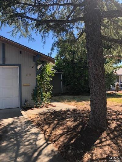 Vacaville Single Family Home For Sale: 170 Olympic Circle