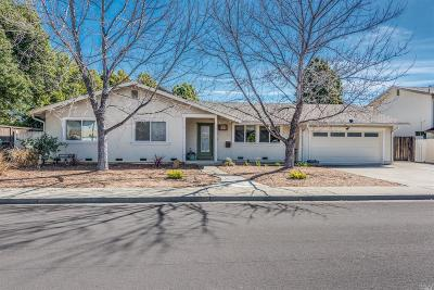 Vacaville Single Family Home For Sale: 311 Edgewood Drive