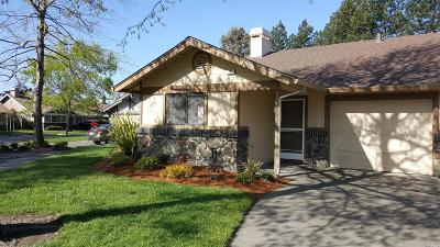 Windsor Single Family Home For Sale: 267 Usher Drive