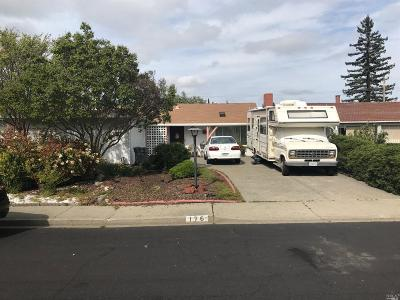 Vacaville Single Family Home For Sale: 176 Olympic Circle