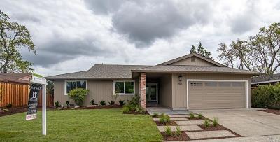 Single Family Home For Sale: 7561 Oak Leaf Drive