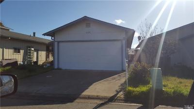Clearlake Single Family Home For Sale: 686 Spinnaker Court