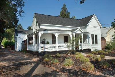 Healdsburg Single Family Home For Sale: 215 2nd Street